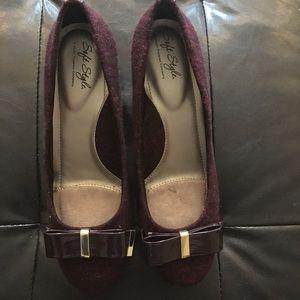 Burgundy bow block heel